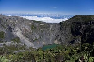 1280px-Irazu_Volcano